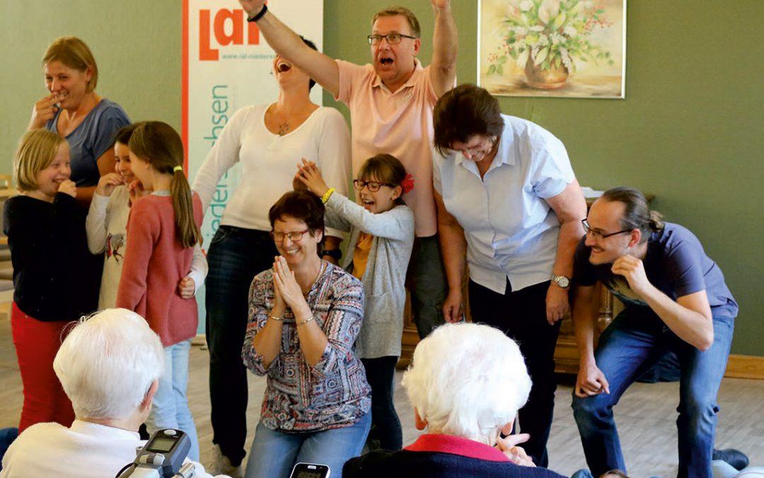 Theaterpädagogik in die Fläche bringen: Generationen verbinden durch Theater – Pflegekräfte stärken